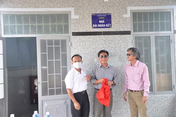 Công ty TNHH MTV Xố số Kiến thiết Bình Thuận: Trao nhà đại đoàn kết cho hội viên khiếm thị nghèo