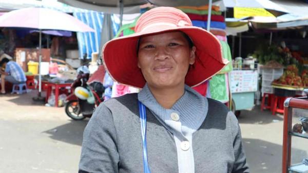 Chị bán vé số nghèo được Chủ tịch UBND tỉnh Bình Phước tặng bằng khen