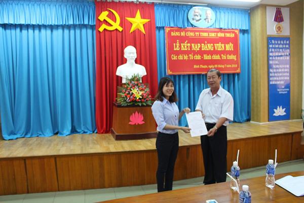 Công ty XSKT Bình Thuận: Kết nạp thêm Đảng viên mới