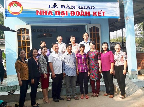 """Công ty XSKT tỉnh An Giang Bàn giao """"Nhà Đại đoàn kết cho người nghèo"""""""