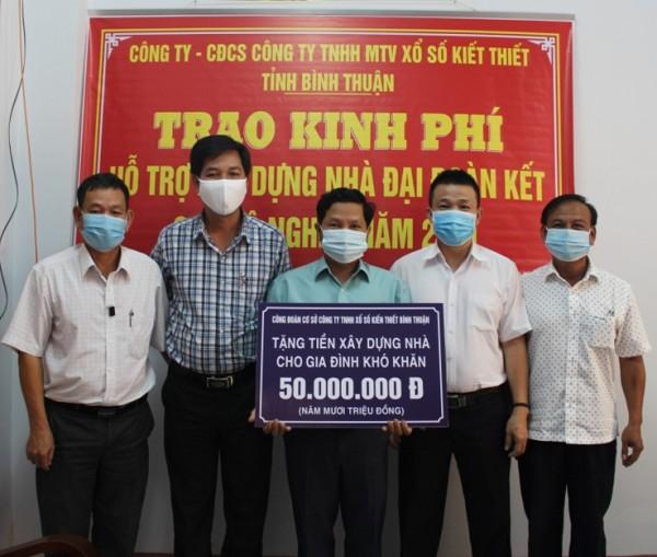 Xổ số kiến thiết Bình Thuận Hỗ trợ kinh phí xây dựng nhà Đại đoàn kết cho hộ nghèo