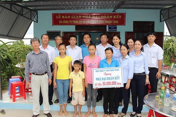 Công ty XSKT Bình Thuận: Trao nhà Đại đoàn kết tại Hàm Thuận Bắc