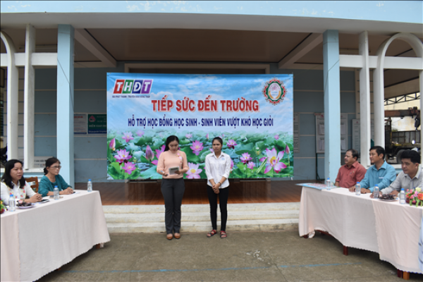 Công ty XSKT Đồng Tháp: Trao học bổng