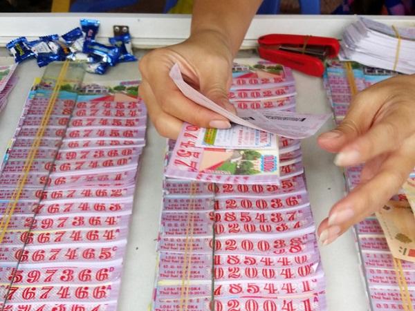 Khách hàng trúng vé số TP.HCM hơn 20 tỷ đồng