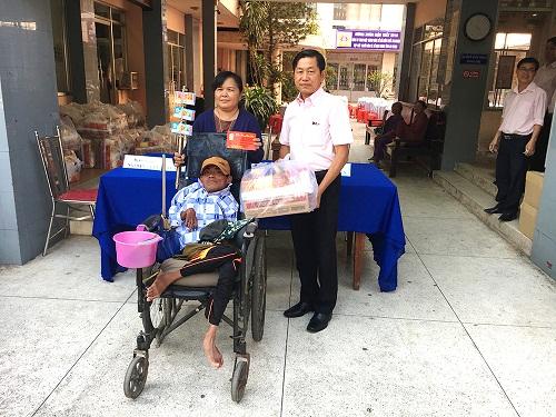 Vé số nâng bước người nghèo ở An Giang