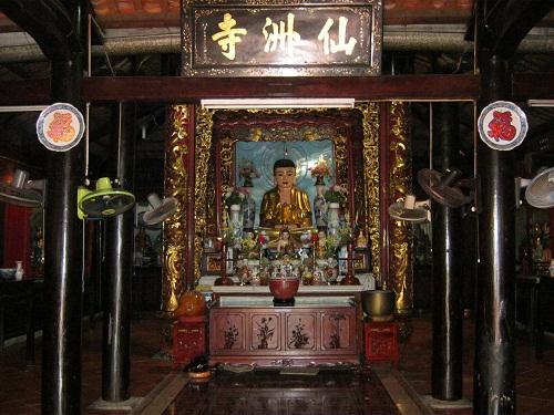 Tiên Châu cổ tự huyền bí và thơ mộng