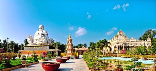 Độc đáo, cổ kính chùa Vĩnh Tràng Tiền Giang.