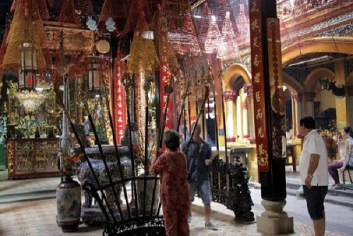 Linh thiêng chùa Ông ở Sài Gòn