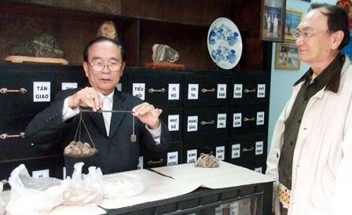 Lương y Trần Hữu Nam: Người nắm giữ nhiều bài thuốc bí truyền của gia tộc.