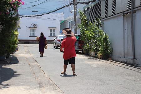 20 năm mẹ cùng con trai bán vé số ngóc ngách Sài Gòn: 'Thiếu nó, tôi không sống nổi!' - ảnh 4